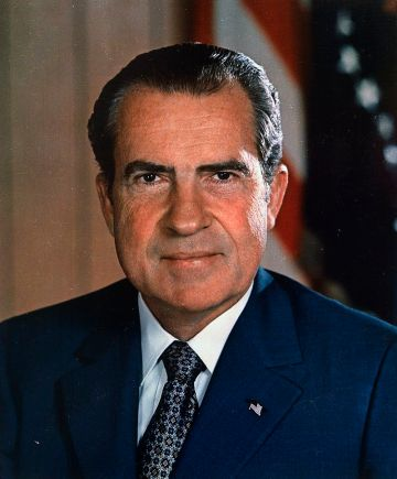 Richard_M__Nixon,_ca__1935_-_1982_-_NARA_-_530679.jpg