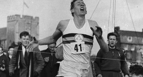 IMG ROGER BANNISTER, British Middle-Distance Athlete, Doctor and Academic,