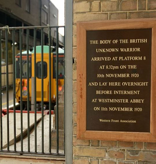plaque victoria station.JPG