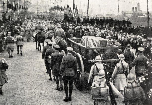 The body of the Unknown Warrior leaving france.jpg